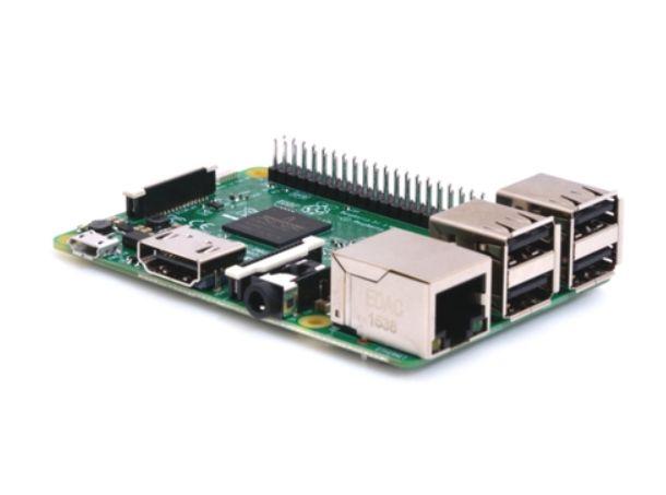 自然会話ロボットの頭脳担うRaspberry Pi 3 Model B